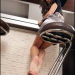 Fétichisme des pieds sexy avec du footjob en photos 31