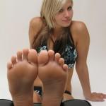 Fétichisme des pieds sexy avec du footjob en photos 62