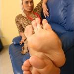 Fétichisme des pieds sexy avec du footjob en photos 70