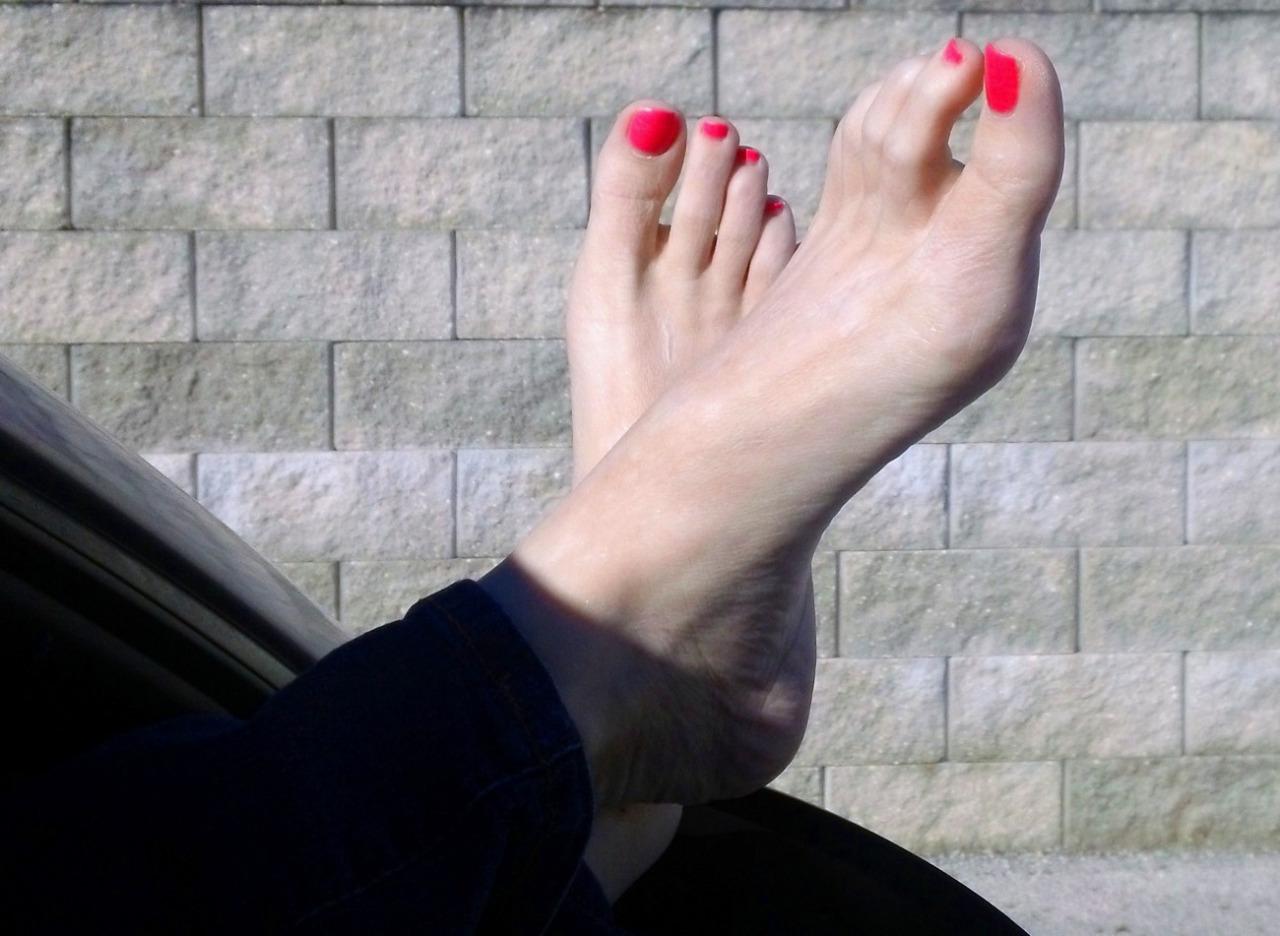 Pour les fétichistes des pieds et des chaussures 20