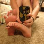 pieds sexy du web de femme en collants 31