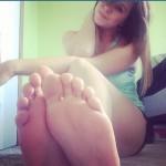 pieds sexy du web de femme en collants 53